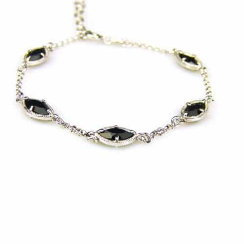 zilveren armband met zwarte steentjes