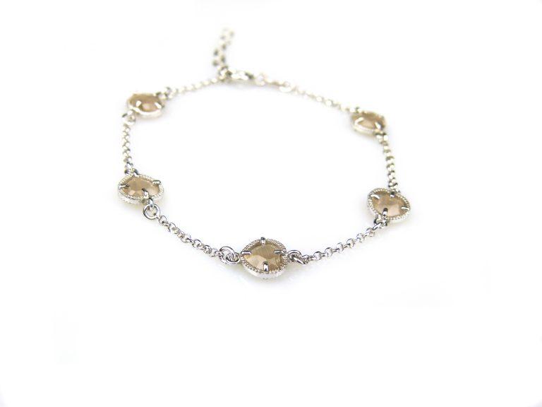 zilveren armband met bruine steentjes hartjes