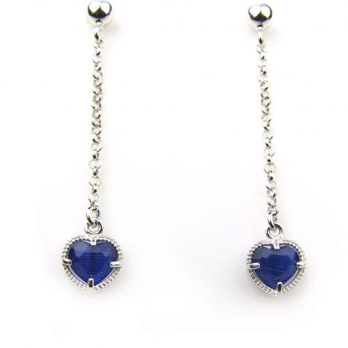 oorringen in zilver met donkerblauw steentje hart