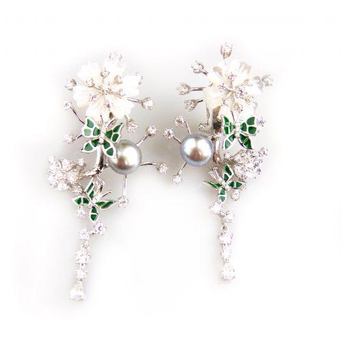 zilveren oorringen oorbellen gezet met parel bloemen en cubic zirconia