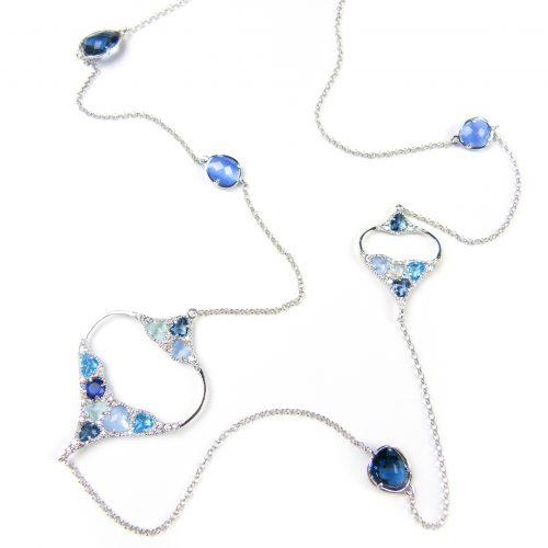 lange zilveren halsketting collier gezet met gekleurde stenen blauw