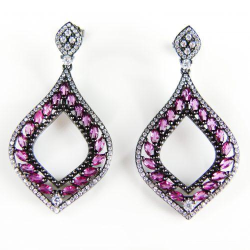 zilveren oorringen gezet met roze stenen en cubic zirconia