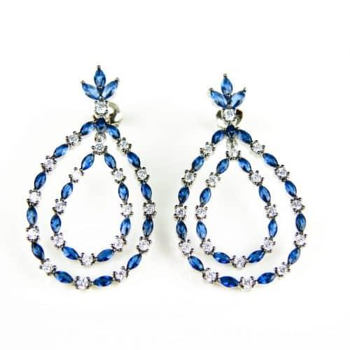 zilveren oorringen gezet met blauwe stenen en cubic zirconia