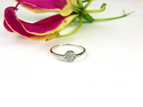 ring in wit goud met diamant