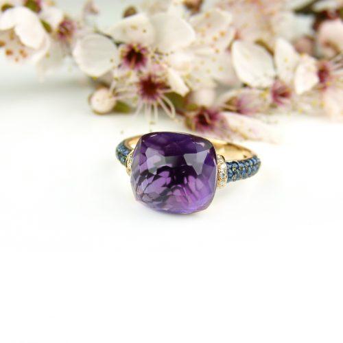 ring in roos goud gezet met amethist, blauwe saffier en diamant