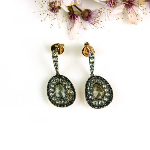 roos gouden oorringen oorbellen met zwarte diamant en groene saffier